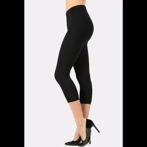ca1ea1379a830 Pants - Premium Cotton Capri Leggings Plain Solid Black